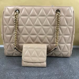 5e1104702283 Michael Kors Bags - Michael Kors Oysters Susannah LG Tote Wallet Set